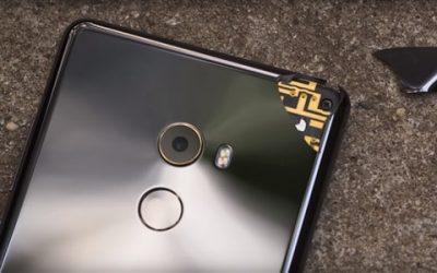 Nagy gondot is okozhat, ha megsérül Xiaomi okostelefonunk hátlapja!